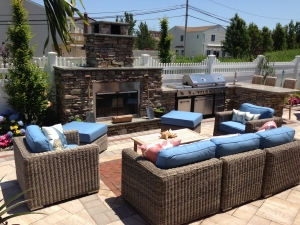 Outdoor living roomms